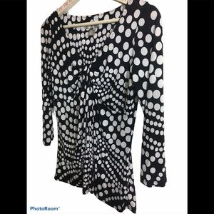 Pullover blouse black and white